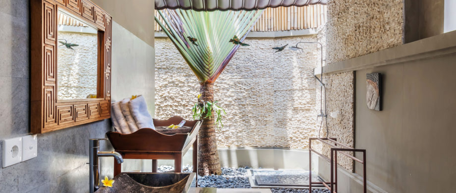 Private outdoor bathing area in Villa Yoga Bale at Citakara Sari Estate in Bali